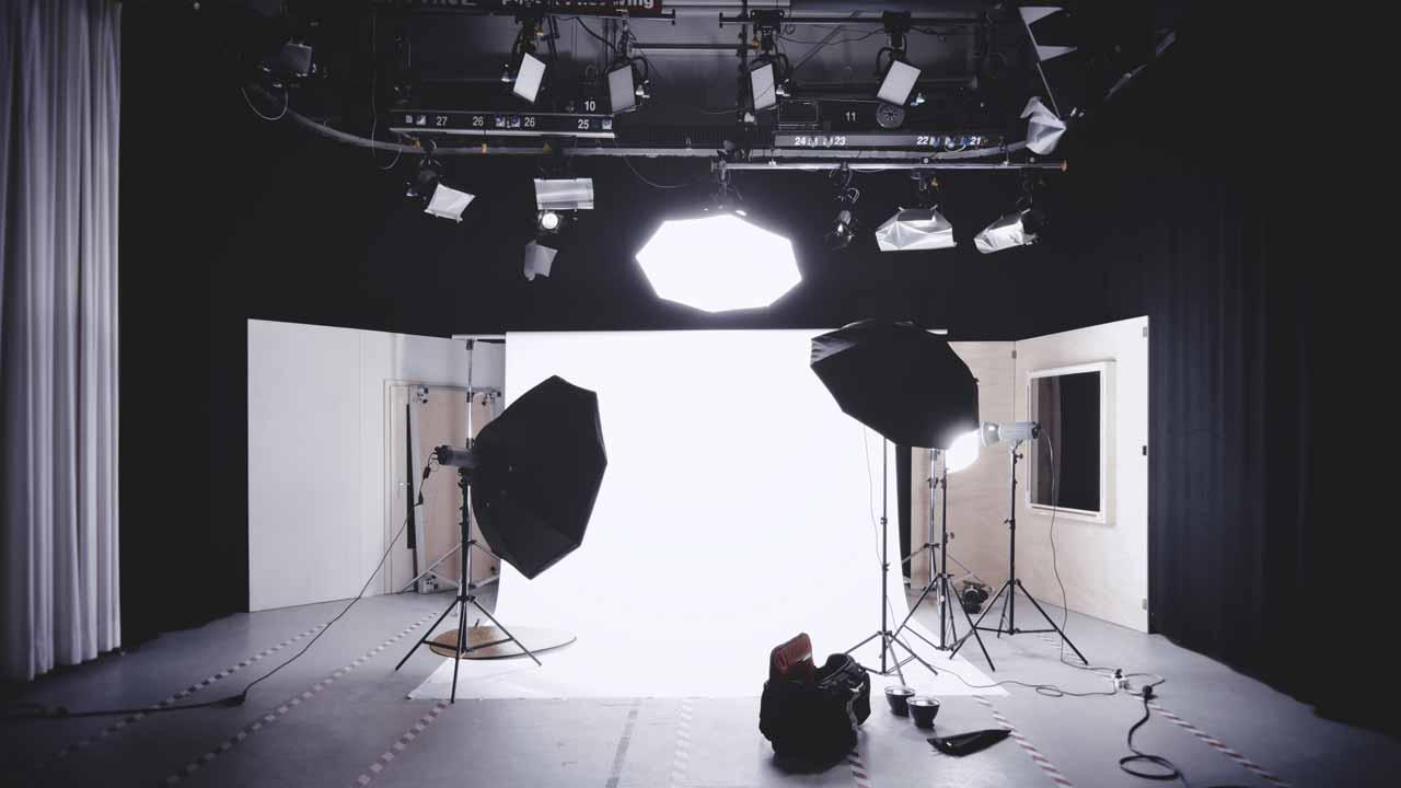 Studio je kontrolirano okolje, kjer lahko naredimo specifične posnetke